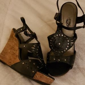 Black sandals with cork wedge!